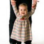 iStock_000008183351-Toddler-walking